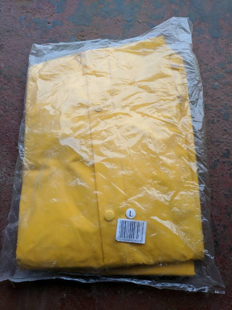 Waterproof Jacket & Trousers (oilskins)