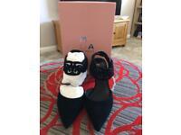 Moda In Pella size 7 Heels