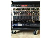 Live Sound Multi Effects Rack and Mixing Desk in Flightcase