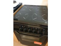 Black Indesit I5VSHK 50cm electric cooker
