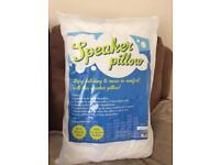 Speaker pillow