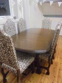 YOUNGER TOLEDO EXTENDING DINING ROOM TABLE AND 6 CHAIRS
