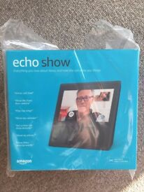 AMAZON Echo Show with Alexa - In black - BRAND NEW with receipt - Ideal as Christmas present