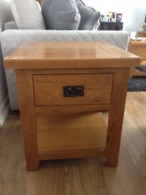 Beautiful 3 piece solid Oak Canterbury tv unit, coffee table and lamp table