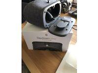 Google Pixel XL Silver 128GB unlocked with DayDream VR Viewer