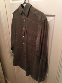 Men's toggi shirt like new