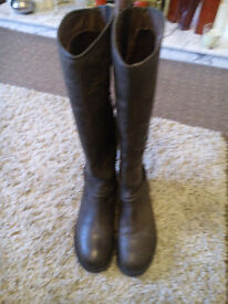** BROWN LEATHER DOROTHY PERKINS BOOTS - SIZE 4 - ALMOST BRAND NEW **