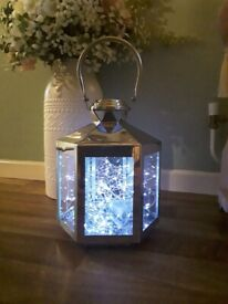 LANTERN WITH LIGHTS AND BATTERIES SUPPLIED