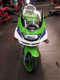 Kawasaki zx6r moted low miles £1595ono