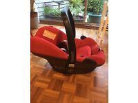 Maxi cosi Pebble car seat and Family isofix base