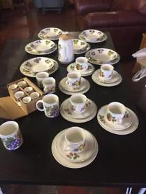 41 piece diner set royal Norfolk new