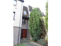 9/2 Stuart Crescent Fully Furnished , 1 bedroom , heating , double glazed , close to shops