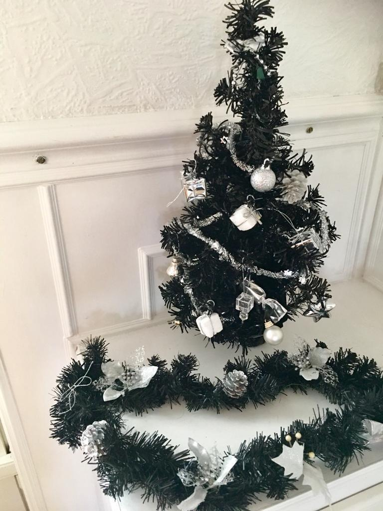 Black Decorated Christmas Tree, with 4 Foot Garland. | in ...