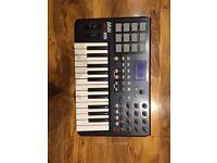 Akai MPK 25 keyboard / midi controller