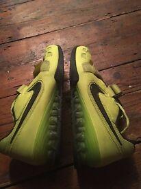 Nike Romaleo Weightlifting Shoes