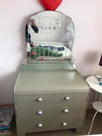 Dressing table drawes