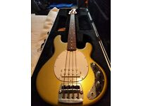 *** MUSICMAN STINGRAY BASS GUITAR, IN NEW CONDITION W HARD CASE. like IBANEZ GIBSON FENDER