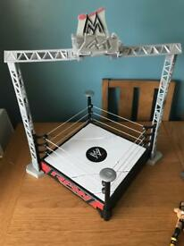 Wrestling ring and 15 figures