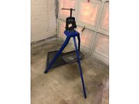 Record Portable Pipe Stand with Record Pipe Vice 92