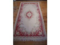 CHINESCHINESE WOOL RUG DECORATIVE PATTERN ON CREAM BACKGROUND WITH TASSELS