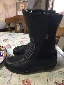 Woman's size 5 motorbike boots