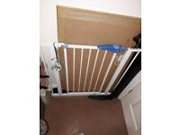 LINDHAM Pressure fit Safety Baby Stair Gate