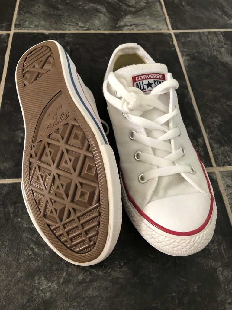 9703f66b558 White converse size 2
