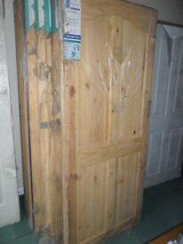PINE INTERIOR DOORS 2/4 or 6 PANEL (CLEAR PINE or KNOTS) VARIOUS SIZES (NEW)