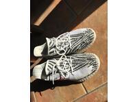 Adidas Yeezy's UK 9.5