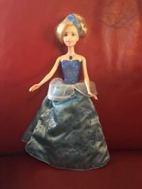 Singing lift up Barbie Cinderella