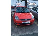 RED FORD FIESTA