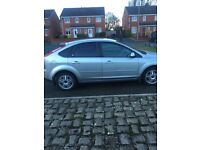 Ford Focus 1.6 ghia excellent condition, 12 months MOT, new canbelt recently fitted, 2 keys