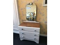Chabby chic 3 drawer dresser with mirror