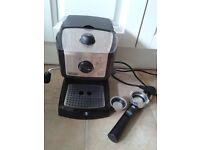 DeLonghi Espresso & Cappuccino Maker