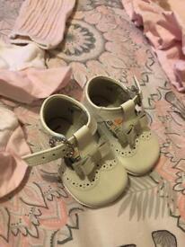 Baby girl andanines size 16.