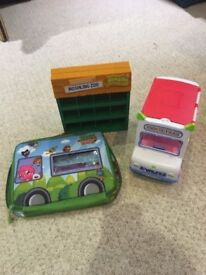 Moshi Monster carry bag, ice cream bag and display unit all excellent clean condition
