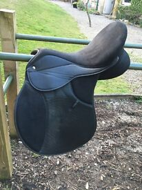 Black Thorowgood Saddle
