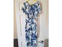 White flower fitted maternity dress, size 10