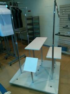 TABLES, MANNEQUINS & ÉQUIPEMENTS DE MAGASIN PAS CHER / CHEAP RACKS & DISPLAYS
