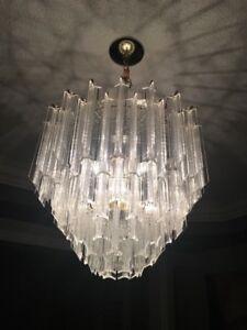 Gorgeous 6 light chandelier!