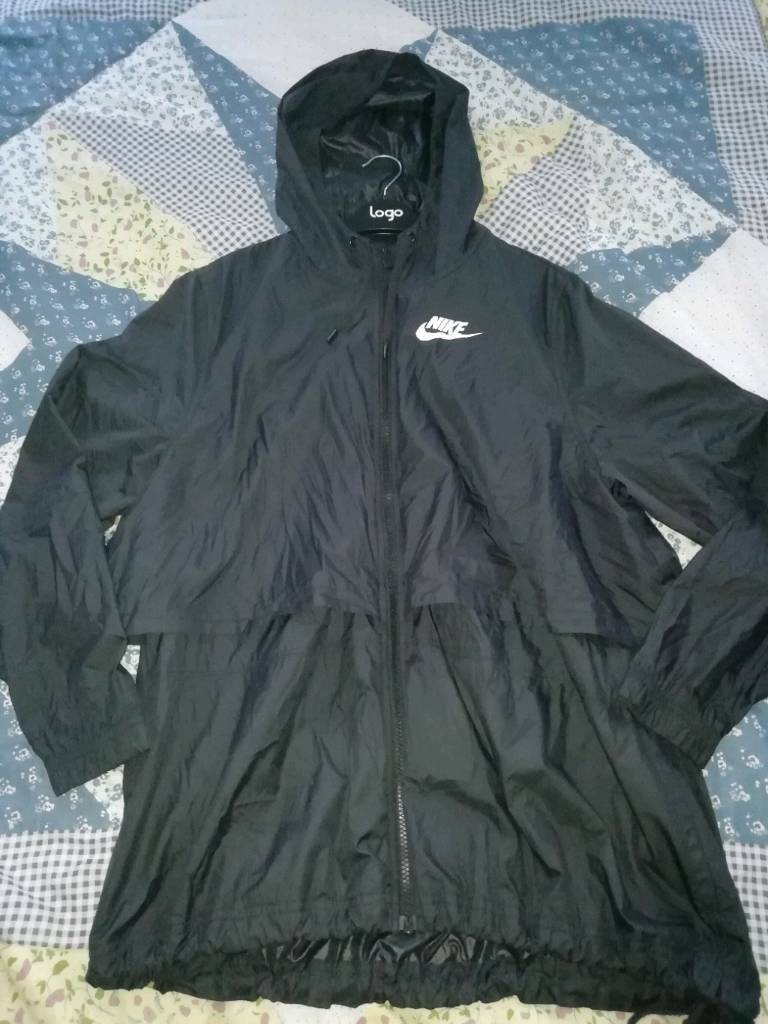 be23b78a1922 women s Nike jacket size extra large