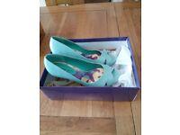 Steve Madden Ladies peep toe shoes