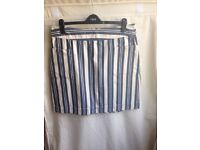 Tom JOULES women's sz14 blue and white stripped just to the knee/over length.