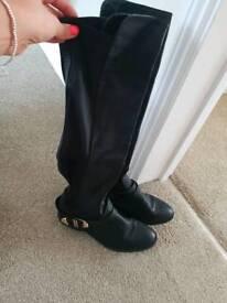 Women's black boots size 5