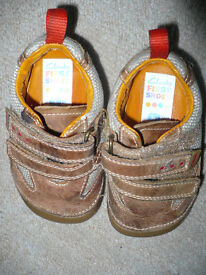 Bundle of Crocks and Clarks Boy's First Shoes and Sandals size 4G and 4H. Very good condition.