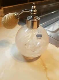 Vintage perfume bottle works exellent Condition