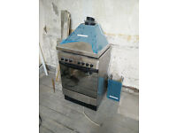 Good quality used cooker and NEW extractor hood