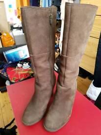 Timberland women's knee high boots - UK 8