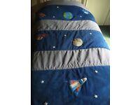 Rocket quilt for single bed