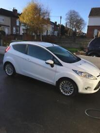 Ford Fiesta titanium 2011